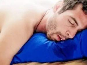 Захлебываюсь слюной во сне