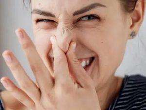 Металлический запах в носу