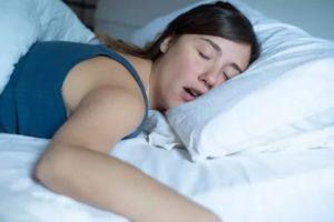 Как перестать храпеть во сне девушке