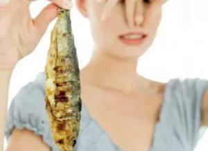 Мерещится запах рыбы
