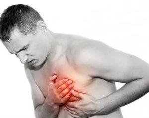 Булькает в области сердца