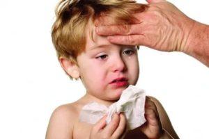 Ребенок потеет и кашляет