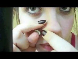 Как вставить пирсинг в нос с крючком