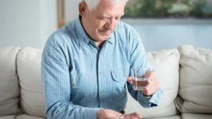 Кашель во время еды у пожилых
