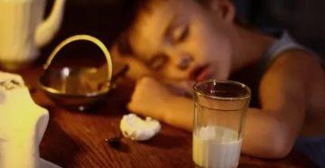 Можно ли пить молоко на ночь